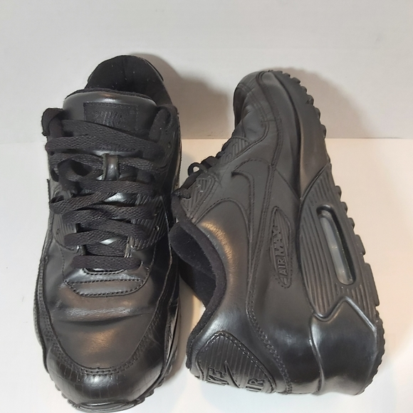 2006 Nike Air Max 90 All Black Size 9